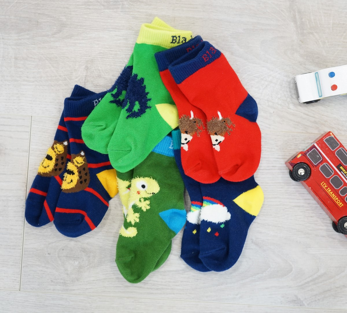 side-of-5pk-socks-pack-option-1-no-box